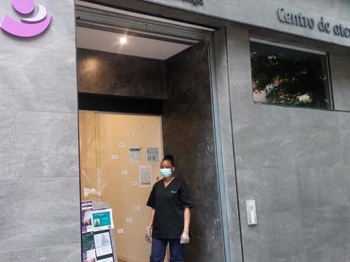 Servicio de limpieza y recepción del centro sanitario Nara Psicología